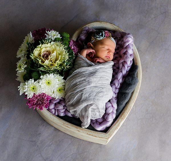 Newborn (Studio/Art)